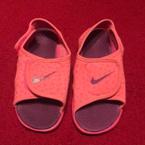 Nike Velcro Adjustable Sandal Pink/Purple Size 9